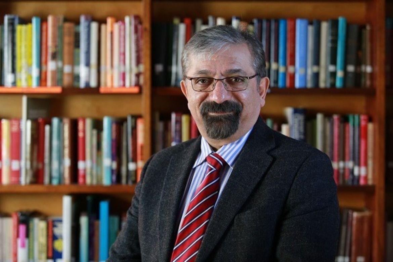 Iranske Dr. Mehrdad Fatehi leder en teologisk skole som utdanner kristne ledere i hemmelighet.