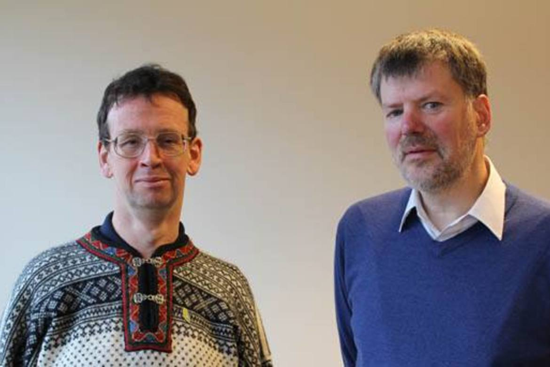 John Kinahan (t.v.) og Felix Corley er redaktører i nyhetsbyrået Forum 18, som dekker trosfrihetsovergrep i tidligere sovjetstater. (Foto: Jan-Eivind Viumdal)
