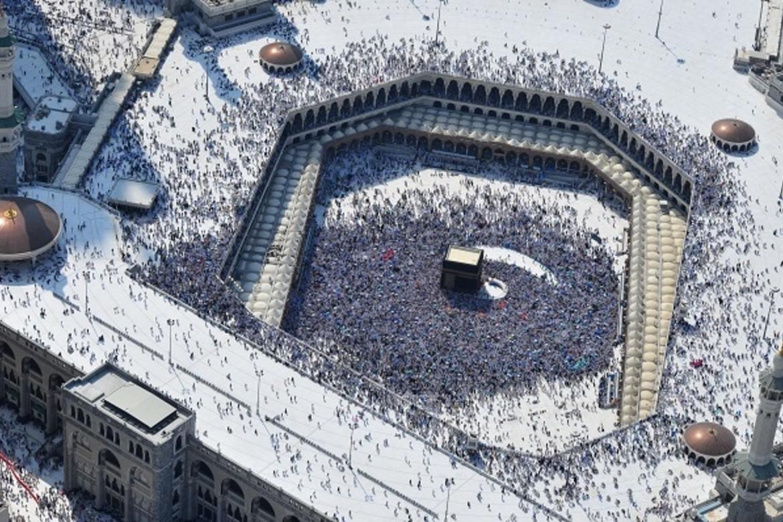 I Saudia-Arabia går politikk og religion hånd i hånd, og alle saudiske statsborgere er pålagt å være muslimer. nHer fra Mekka.