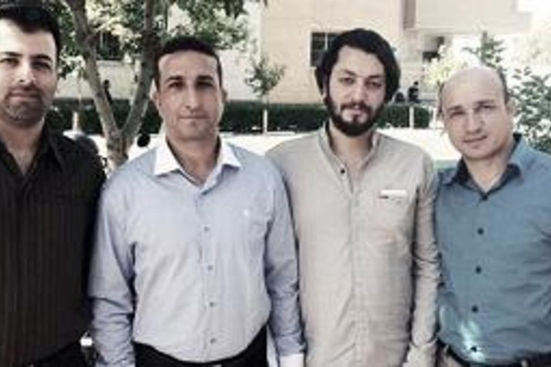 Desse fire medlemmane av Church of Iran er på delvis brutalt vis henta inn til soning av ti og tolv års fengsel. Nadarkhani er nummer to frå venstre.