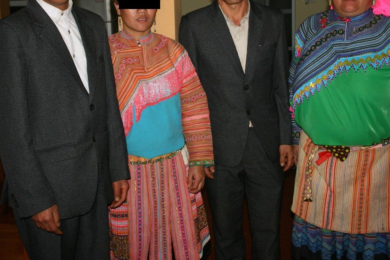 De to ekteparene forteller om trusler, press og forskjellsbehandling rettet mot kristne fra lokale myndigheter.