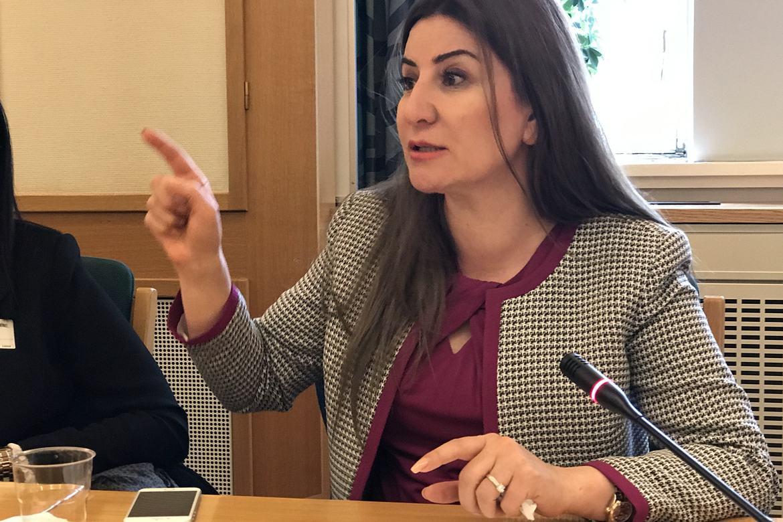 Vian Dakhil ber om hjelp for å få jesidi-jentene i Irak ut av traumene etter sexslaveriet under IS.