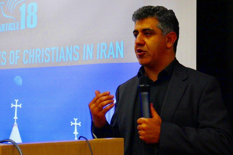 Mansour Borji forteller om økende undertrykkelse av konvertitt-kirkene i Iran.