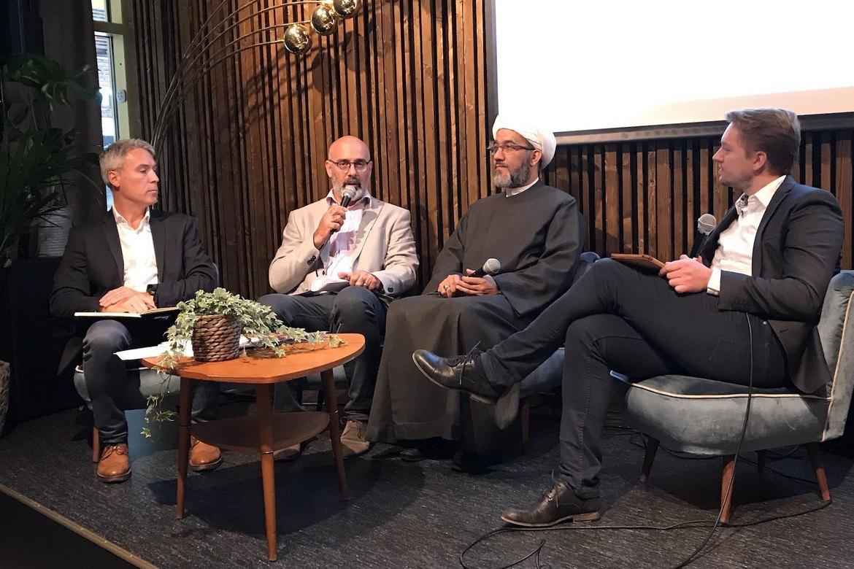 Ed Brown, Martin Accad, Sheikh Mahmoud Jalloul og møteleder Ole Thomas Talset fra Skaperkraft.