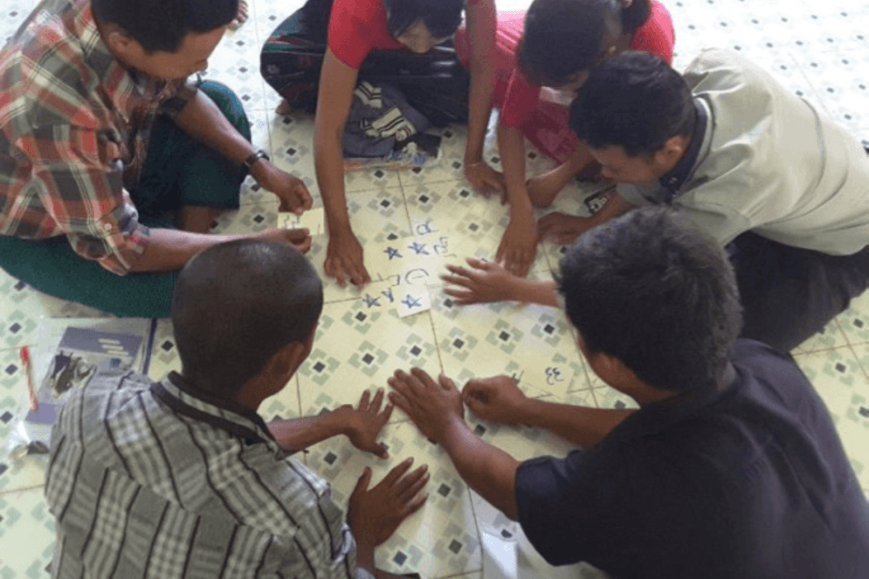 25 deltagere blir årlig kurset i en måned av Equality Myanmar for å undervise i menneskerettigheter rundt om i landet.