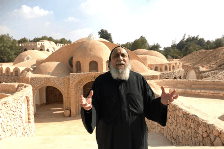 Biskop Thomas, her på retreatstaden Anafora, fornyar kampen for rettferd.