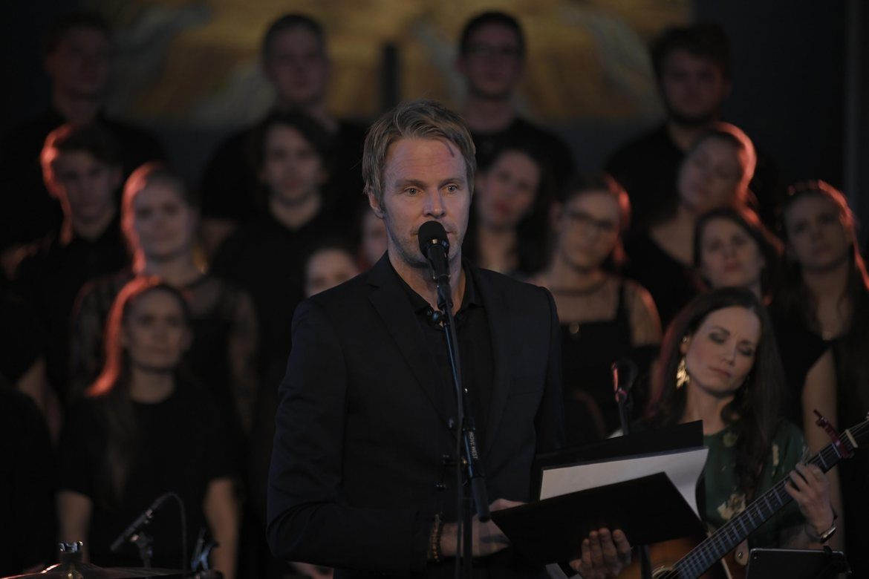 Jostein Ørum har skrevet teksten, her er han under fjorårets 'Gåten om korset'. Duoen Garness har skrevet musikken.