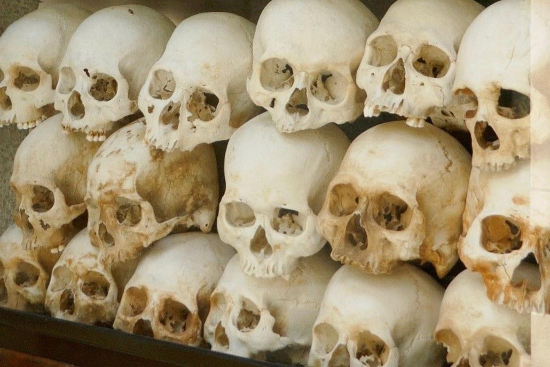 Kranie etter torturerte og drepne på «dødsmarkene» i Choung Eek utanfor Phnom Penh, hovudstaden i Kambodsja.