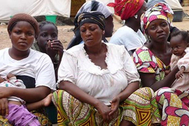 Kvinner i Nigeria. eit land herja av vald og terror mot sivile.