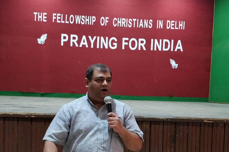 Vijayesh Lal leder Det evangeliske kirkefellesskapet i India. Politianmeldelse gjør at rapportering av hatangrep settes på pause en tid.