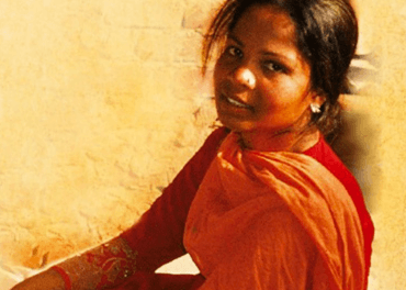 Asia Bibi  er den kristne kvinna som vart skulda for å ureina drikkevatn berre fordi ho var kristen og som etterpå vart dødsdømt for blasfemi.