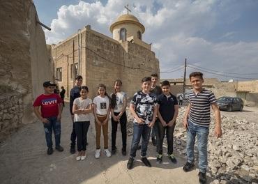 I den kristne landsbyen Tel Skuf i Nord-Irak håpar barna på ei ny framtid. Her skal kyrkja byggja leikeplass. Men framtida er usikker.