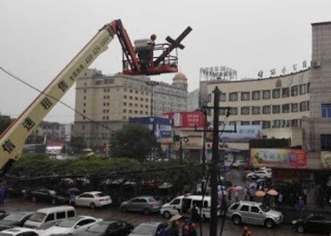 Kristne i Kina under press: Mange kyrkjer har fått krossane rivne ned. Her er kyrkje i Zhejiang. Foto: China Aid.