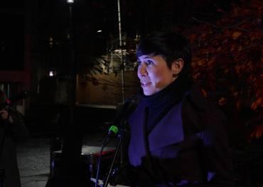 Utenriksminister Ine Marie Eriksen Søreide holder appell etter å ha tatt imot oppropet under fakkeltoget i Oslo i 2017. I år starter hun fakkeltog-dagen med en konferanse om trosfrihet.