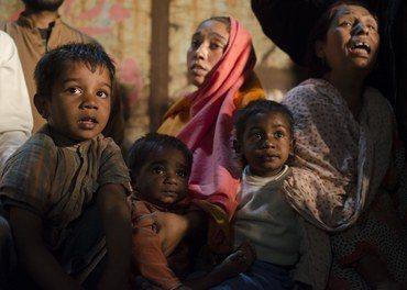 Forskremte kristne i Pakistan etter nedbrenningen av Jospeh Colony i Lahore i 2013.