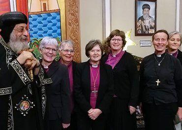Den norske kirkes biskoper møtte sin koptisk ortodokse pave Tawadros II i Kairo. De dro for å vise solidaritet med kristne i Egypt.