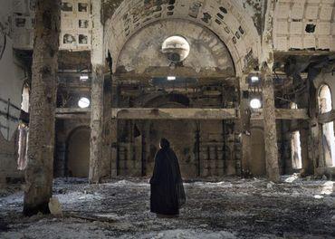 I denne landsbyen hi Minya-provinsen er kyrkja hardt skadd i eit angrep.
