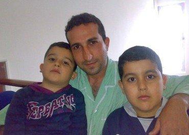 Yousef Nadarkhani og hans to sønner. Bildet er tatt mens sønnene var små.