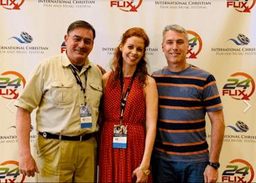 Tim A. Peters, Thea Haavet og Ed Brown på filmfestival i Orlando 6. mai.