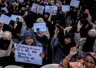 Protester i India mot borgerskapsloven som setter muslimske flyktninger utenfor.
