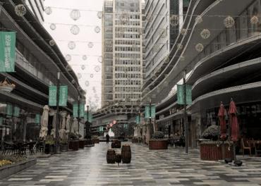 Gatene i store byar i Kina er nærast folketomme.
