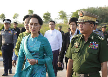 Aung San Suu Kyi er avsatt av hæren.