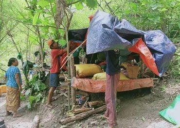 I Kayah-staten øst i Myanmar får disse fortvilte familiene mat gjennom Stefanusalliansens venner.