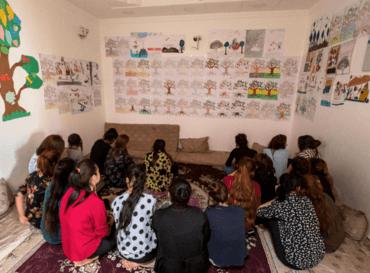 Hope Center hjelper jesidikvinner som har kommet fri fra IS. Blant annet får de tegne for å bearbeide traumene.