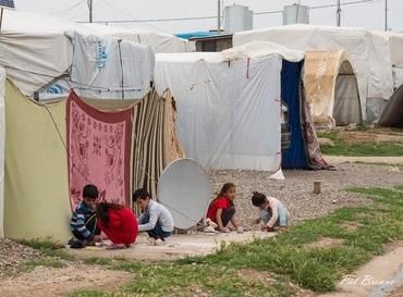 Tusenvis av jesidibarn sitter fortsatt i flyktningleire i den kurdiske delen av Nord-Irak, her i en leir ved Duhok. Foto: Pål Brenne/Stefanusalliansen.