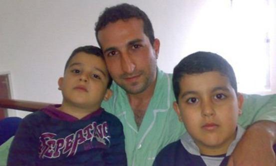 Arkivbilde av Yousef Nadarkhani og sønnene Yoel og Daniel