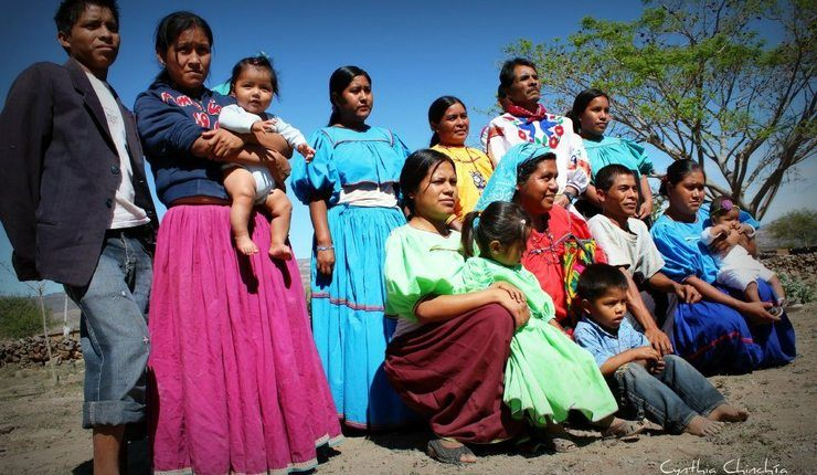 Kristne fra huichol-folket i Tuxpan de Bolaños. Foto: Cynthia Chinchia