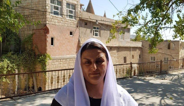 Bildet er av en jesidisk kvinne som satt i fangenskap hos IS. Foto: Hasso Hurmi