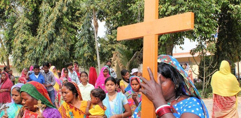Kristne i Varanesi, India, under fastetiden