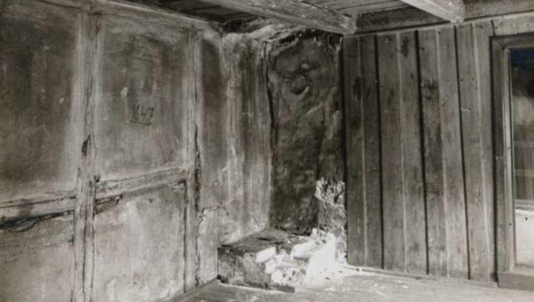 I denne fengselsscella sat Hans Nilesen Hauge.